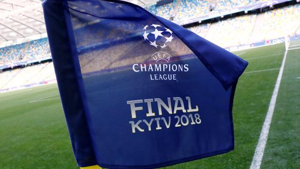 Banderín de córner del estadio de la final de la Champions League de Kiev