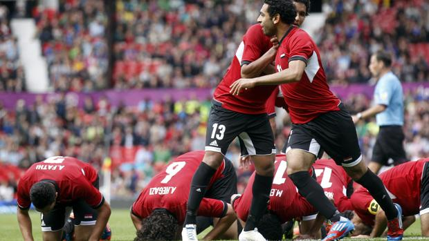 Los jugadores de Egipto celebran una victoria de su equipo