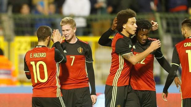 Bélgica capitaneada por Hazard en un partido amistoso contra Italia