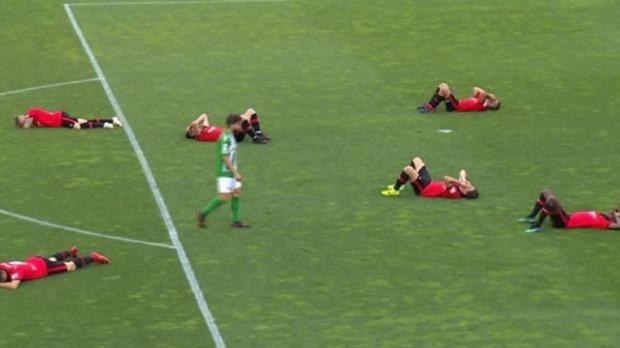 Los jugadores del filial del Mallorca, desolados tras su eliminación