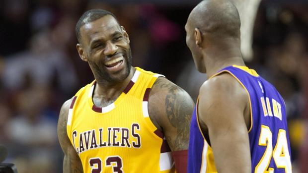 LeBron James y Kobe Bryant en la época en la que ambos eran profesionales