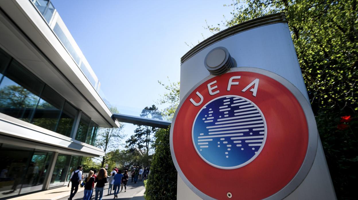 La UEFA no castiga al PSG por incumplimiento del fair play financiero