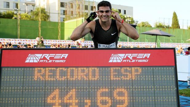 Bruno Hortelano presume de su récord nacional