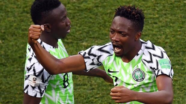 Musa celebra uno de sus goles ante Islandia