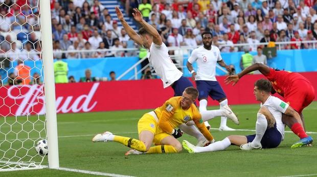 Inglaterra recibiendo el gol en la derrota del Mundial de Rusia ante Bélgica