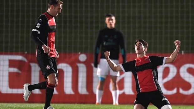 EL Adarve, conjunto madrileño de Segunda B, celebra un gol en un partido de la pasada temporada