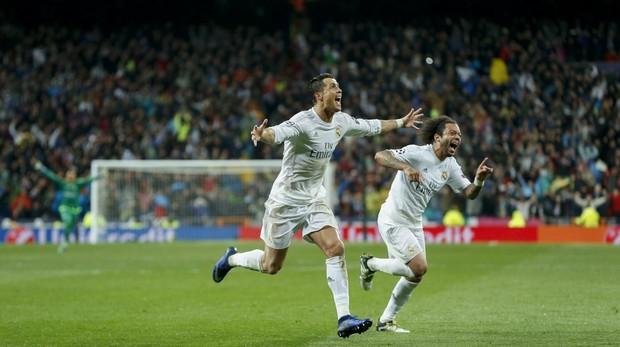 Cristiano Ronaldo y Marcelo celebrando una victoria con el Real Madrid en la Champions League