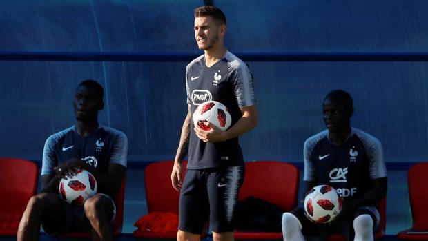 Lucas Hernández, en un entrenamiento con la selección francesa