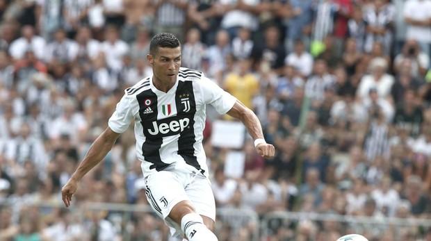 Serie A  Así fue el primer gol de Cristiano Ronaldo con la Juventus ... c16998692e26c