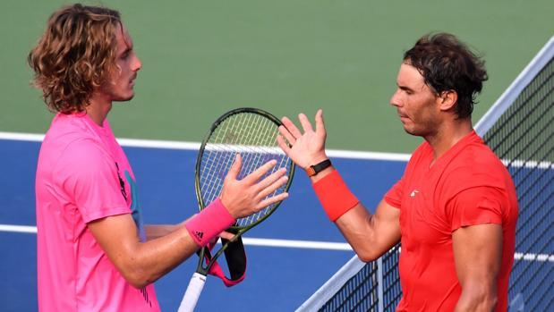 Stefanos Tsitsipas y Rafa Nadal al término de la final del Masters 1.000 de Canadá