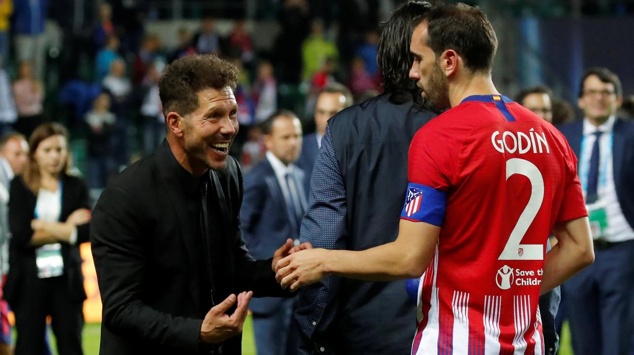 Simeone supera ya a Luis Aragonés