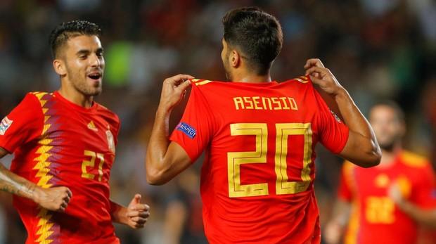 Asensio celebra su segundo gol en el partido contra Croacia