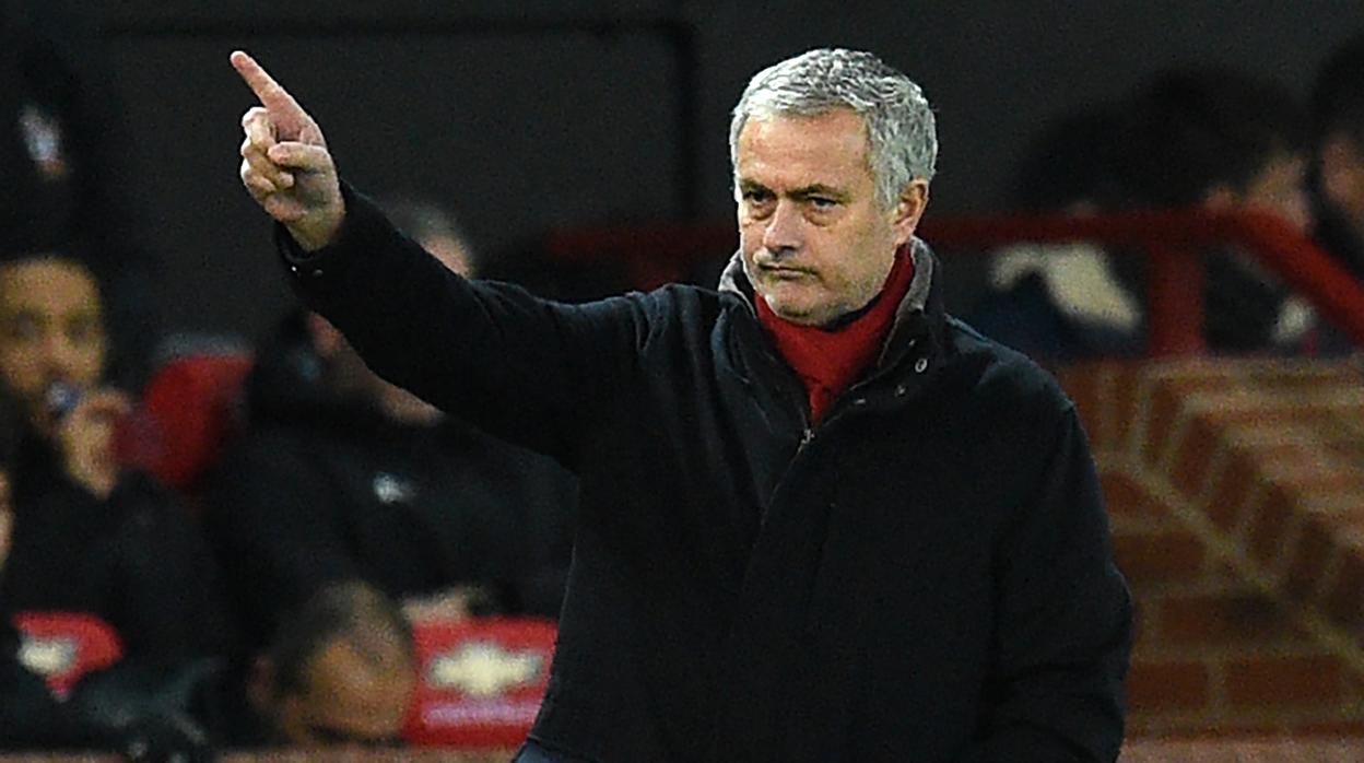 Mourinho vuelve a la carga contra la prensa