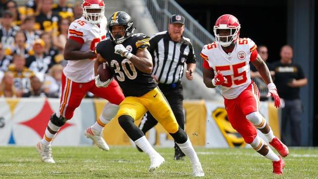 James Conner (#30) en la segunda jornada de NFL ante los Kansas City Chiefs