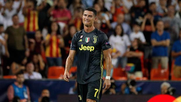 Cristiano Ronaldo, entre lágrimas por la expulsión que sufrió ante el Valencia en la Champions League