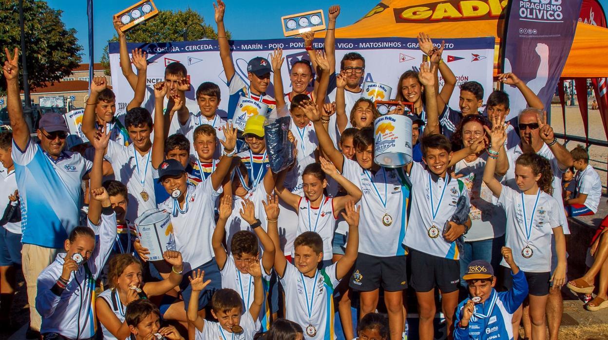 Olivico, Aldan y Naval copparon el podio de la Copa de Galicia de Kayak de Mar