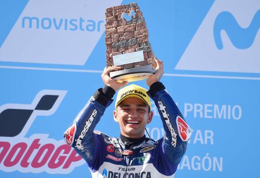 Jorge Martín, en el podio tras ganar en Aragón