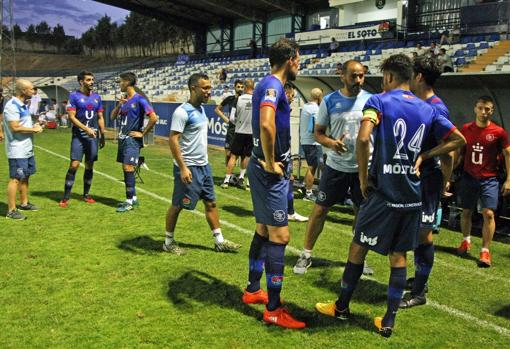 Salva Ballesta, entrenador del CD Móstoles