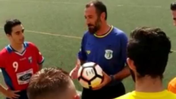 Cabo López, árbitro del Atlético Marbellí - Fuengirola Los Boliches