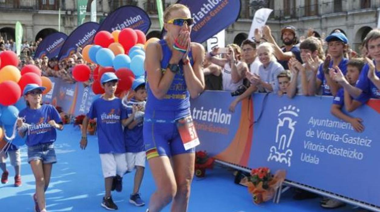 Muere la triatleta Julia Mai a los 38 años