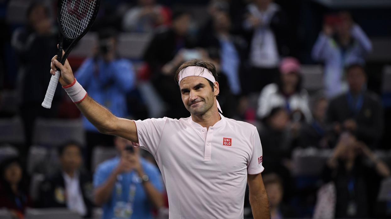Federer se impone a un «batallador» Bautista