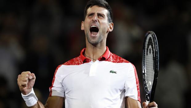 Djokovic celebra su triunfo en Shangái