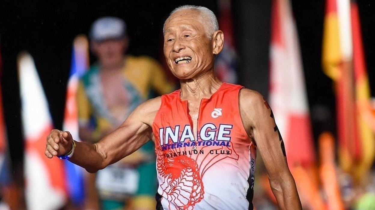 El héroe de 86 años que completó el Ironman