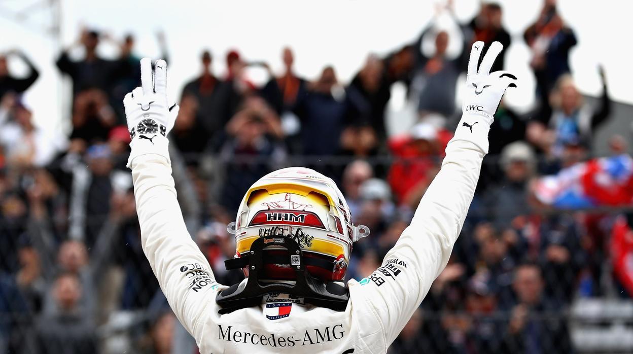 Hamilton logra la 'pole' en Austin y camina hacia su quinto título
