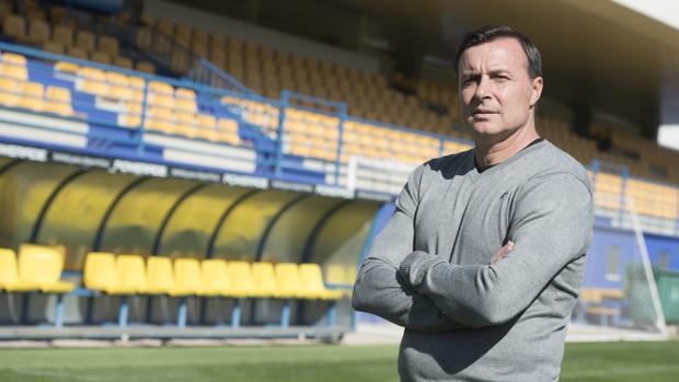 Cristóbal Parralo, entrenador de la AD Alcorcón