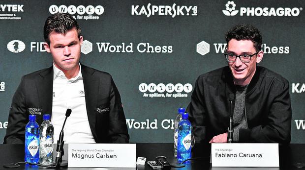 Carlsen y Caruana, en la rueda de prensa previa al comienzo del Mundial