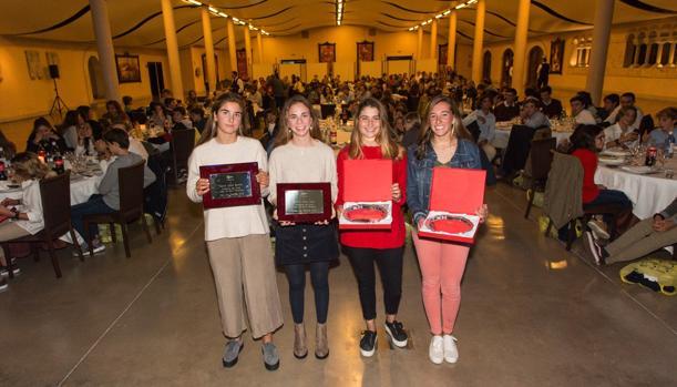 Marina Garau, Blanca Cabot, Paula Van Wieringen y Mar Gil, oro y bronce en el mundial sub 17 de 420.