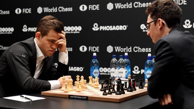 Carlsen y Caruana, en el Mundial de Londres