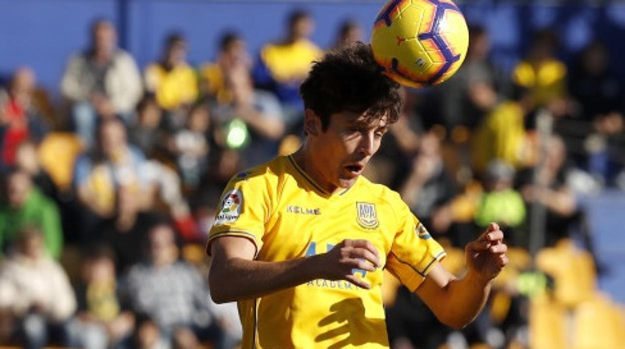 Dani Giménez salva al Alcorcón y frena al Almería