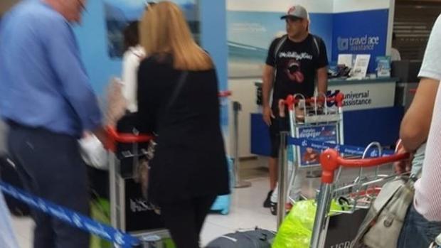 Maximiliano Mazzaro, en el Aeropuerto de Ezeiza, rumbo a Madrid