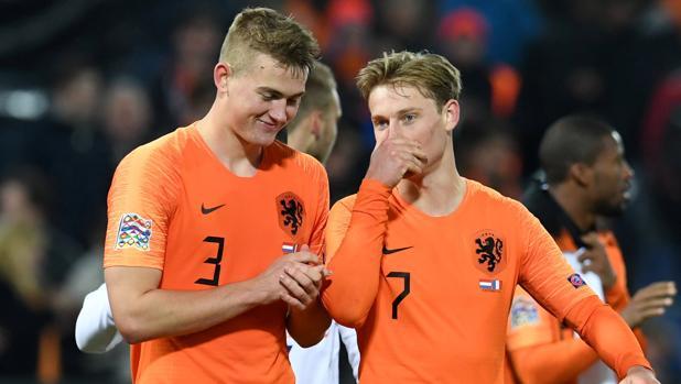 De Ligt y De Jong tras un partido con la selección holandesa