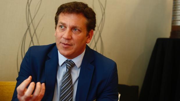 Alejandro Domínguez: «El fútbol es ganar y perder, no matar o morir»