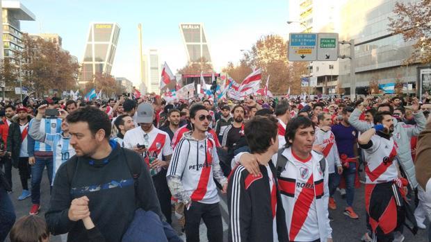 Aficionados de River Plate en la Castellana