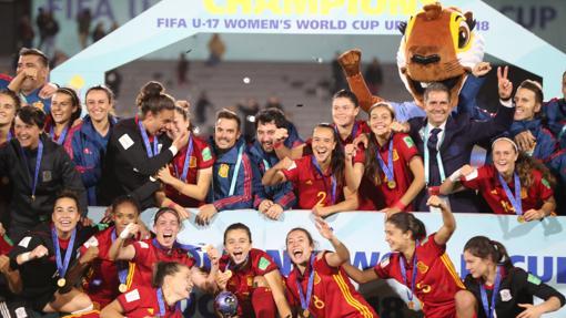 La selección sub-17 celebra el título mundial en Uruguay tras ganas a México