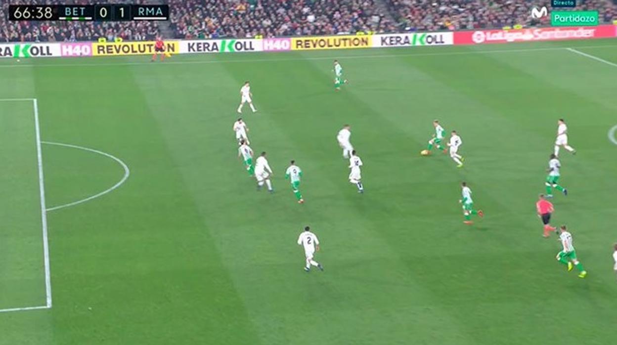 Polémica con el VAR en el gol de Canales