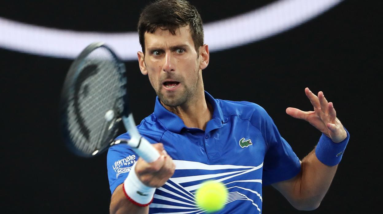 Djokovic llega sin esfuerzo a semifinales por la retirada de Nishikori