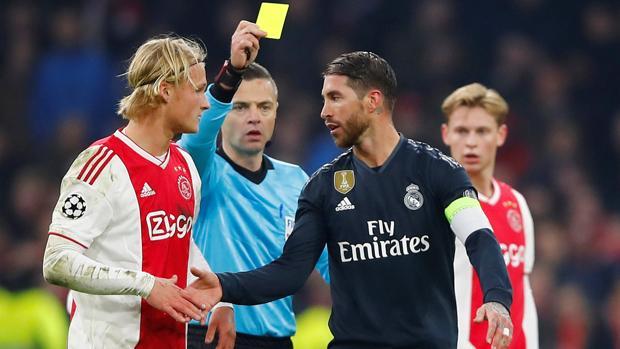 Sergio Ramos se mete en un lío con la tarjeta amarilla