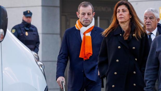 Sandro Rosell junto a su esposa Marta Pineda