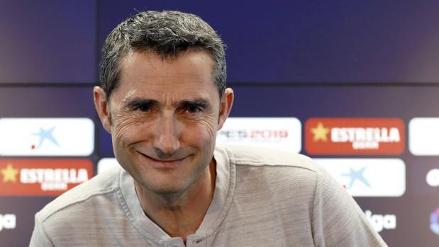 Ernesto Valverde atiende a los medios de comunicación