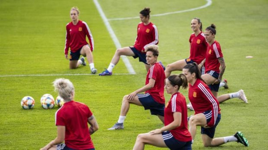 La RFEF destinará en 2019 20 millones de euros al fútbol femenino de manera directa