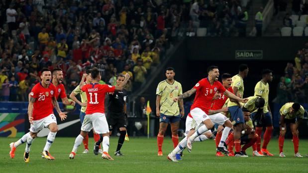 Chile resuelve en los penaltis lo que el VAR le negó en 90 minutos