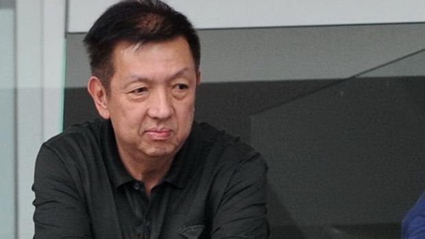 Peter Lim provoca otro seísmo en el Valencia