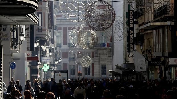 Madrid sevilla y granada las ciudades m s baratas para for Alquilar un apartamento en sevilla