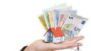 Los bancos exigen contratar seguros y domiciliar la nómina junto a la hipoteca