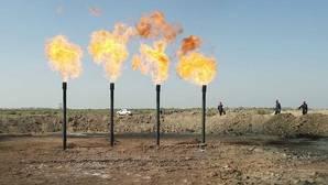 Arabia Saudí reta a Irán y rebaja el precio de su petróleo a Europa