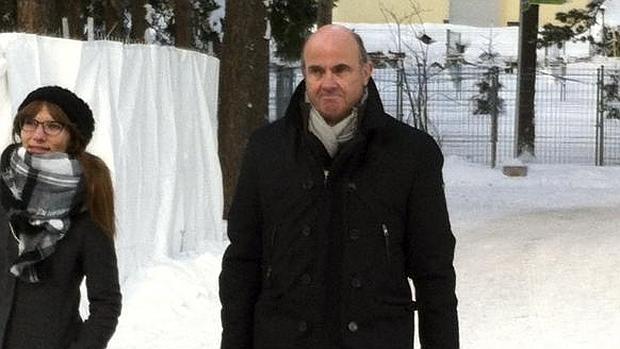 Guindos, ayer a su llegada al Foro de Davos